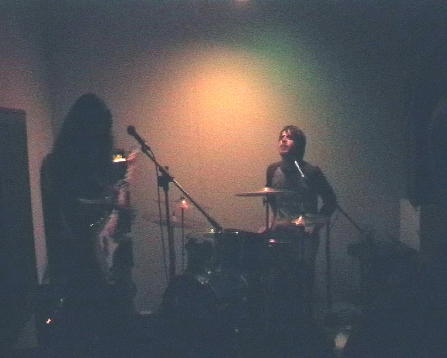 Aurora Plastic Monster, concert at Kunstrom September 26th 2003