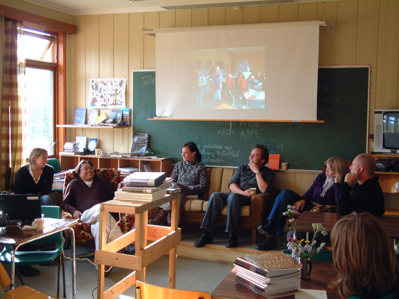 Discussion about Sørfinnset skole/the nord land (from left) Åse Løvgren, Rirkrit Tiravanija, Camilla Eeg, Geir Tore Holm, Søssa Jørgensen, Per-Gunnar Tverbakk