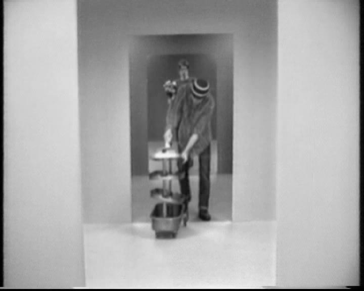 Still from Moderne Menn (2004), video Sverre Strandberg, ©Sverre Strandberg